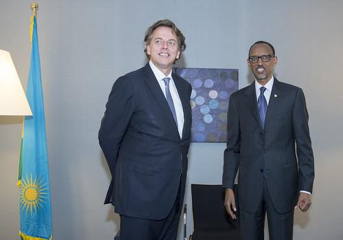 151006 President Kagame Rwanda en Koenders