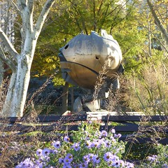 New York - The Sphere of Fritz Koenig (Moro972) Tags: park city nyc travel parco usa ny newyork green nature gold globe day manhattan natura batterypark sphere wtc citta oro giorno fritzkoenig 2015 thesphere