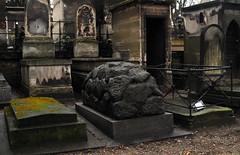 Cimetière de Montmartre (carolemason) Tags: paris tombs cimetièredemontmartre