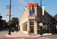 Chicago's first Shopping Mall (Cragin Spring) Tags: city urban usa chicago building architecture corner mall illinois unitedstates unitedstatesofamerica chitown il shoppingmall northside flatiron rogerspark chicagoillinois chicagoil windycity forgottenchicago bishopbuildingmall