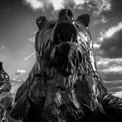 Bear trap! (pmpiasecki) Tags: blackandwhite monochrome statue golf florida pga nicklaus beartrap