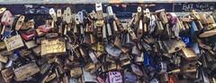 unlock (anabvsa) Tags: ponte cadeados amor couple