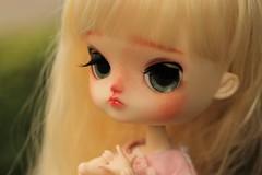 fuwa-fuwa girl (n a m i [ 波 ]) Tags: dal doll pullip daldotori dalfullcustom dalcustom junplanning groove obitsu obitsu21cm obitsuhybrid kawaii cute japan blondgirl greeneyes rewigged rechipped