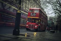 Routemaster (www.javierayala-photography.com) Tags: routermaster bus icon landmark london england uk unitedkingdom red londres icono busstop inglaterra