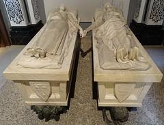 Teruel tumba de alabastro Mausoleo de los Amantes 12 (Rafael Gomez - http://micamara.es) Tags: tumba teruel de los amantes mausoleo alabastro