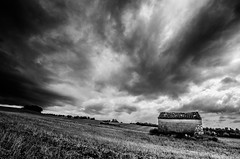 Juste ciel... (Fabrice Le Coq) Tags: monochrome noir noiretblanc nuages paysage et extérieur blanc orage fabricelecoq