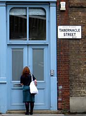 'Waiting To Be Let In' - 232/365 (EZTD) Tags: inglaterra england london lady work photography trabajo mujer foto image photos photograph travail fotos shoreditch londres angleterre ingles lin londra werk cityoflondon londinium day232 londonist londonengland 2015 aphotoaday capitalcity londonistas linphotos thisislondon project365 mylondon p365 tabernaclestreet aphotoadayproject londonimages imagesoflondon 365photosinayear londonista allabouttheimage eztd eztdphotography canonpowershotsx240hs eztdphotos eztdgroup londonimagenetwork pictoriallondon londonmylondon eztdfotos 3652015 august2015 photosdelondres