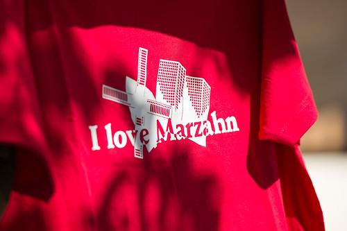 "T-Shirt mit Print ""I love Marzahn"" Foto: Ole Bader"