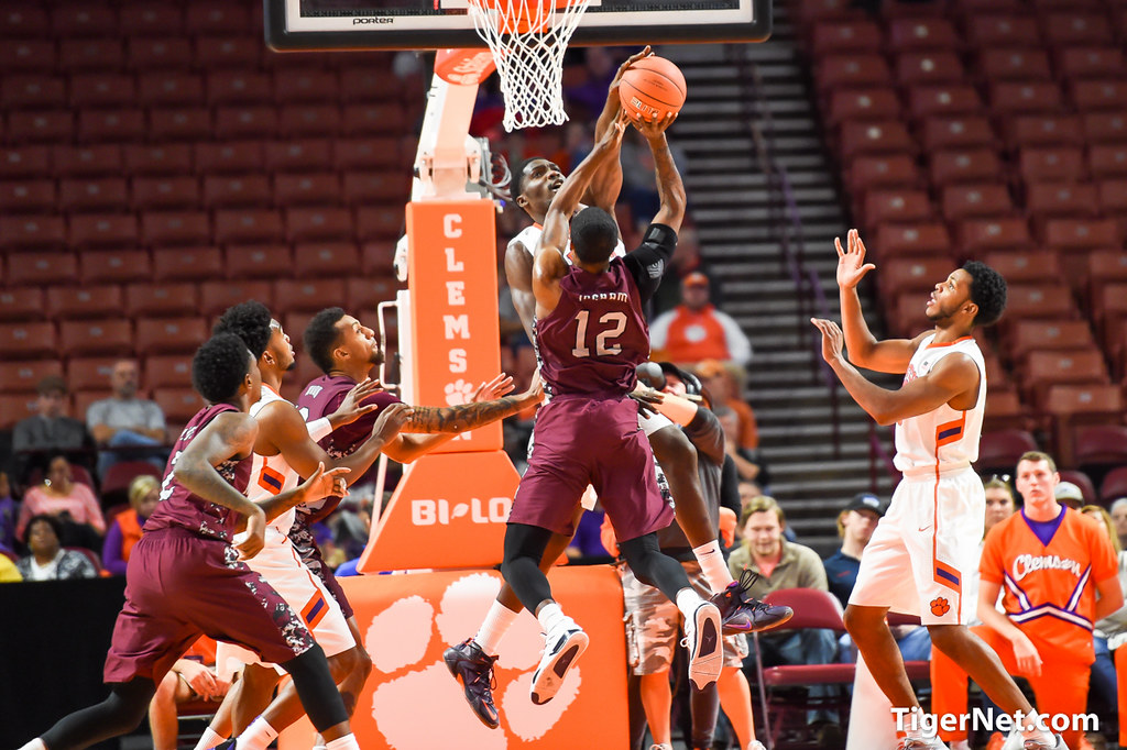 Clemson Photos: Basketball, 2015, Landry  Nnoko