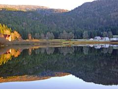 Vosges (denismartin) Tags: panorama mountain lake mountains reflection nature trek hiver lac reflet lorraine vosges vogesen longemer hohneck denismartin