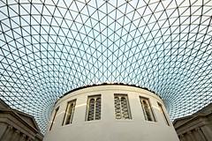 "London ""must-have"" No.1 (Fotoristin - blick.kontakt) Tags: london britishmuseum architecture lines curves normanfoster museum building blue roof musthave fotoristin"