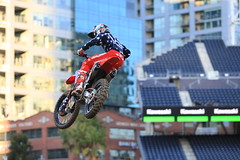 "San Diego SX 2017 • <a style=""font-size:0.8em;"" href=""http://www.flickr.com/photos/89136799@N03/31972360680/"" target=""_blank"">View on Flickr</a>"