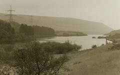 Torside Reservoir (neil t3) Tags: ilfordfp4plus jessopszoomslidefilmduplicator minolta minoltadynax7 minolta28105mmrs 50mmf14