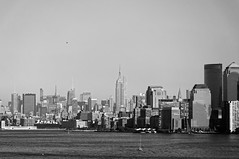 Midtown skyline (Leguman vs the Blender) Tags: newyork midtown bw usa skyline flickrtravelaward nikond90