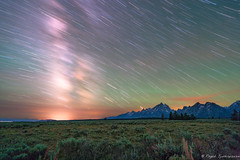 Stars falling over Tetons (Rajesh Jyothiswaran) Tags: a7rii cathedral cathedralgroup grandteton ilce7rm2 landscape longexposure lupinemeadows milkyway mtmoran national nationalpark nature oxbowbend peaceful sky sony transfiguration airglow astrophotography bear bears bison cloud clouds color grand grizzly jackson jacksonhole mountain night nightscape park potholes scenic serene starry stars starscape wyoming