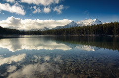 Herbert (gwendolyn.allsop) Tags: relection canda d5200 herbert lake water clouds sky mountains trees