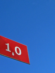 1,0 (Steffe) Tags: blue red sky sign canon 10 minimalism minimalistic blueyonder stefferific
