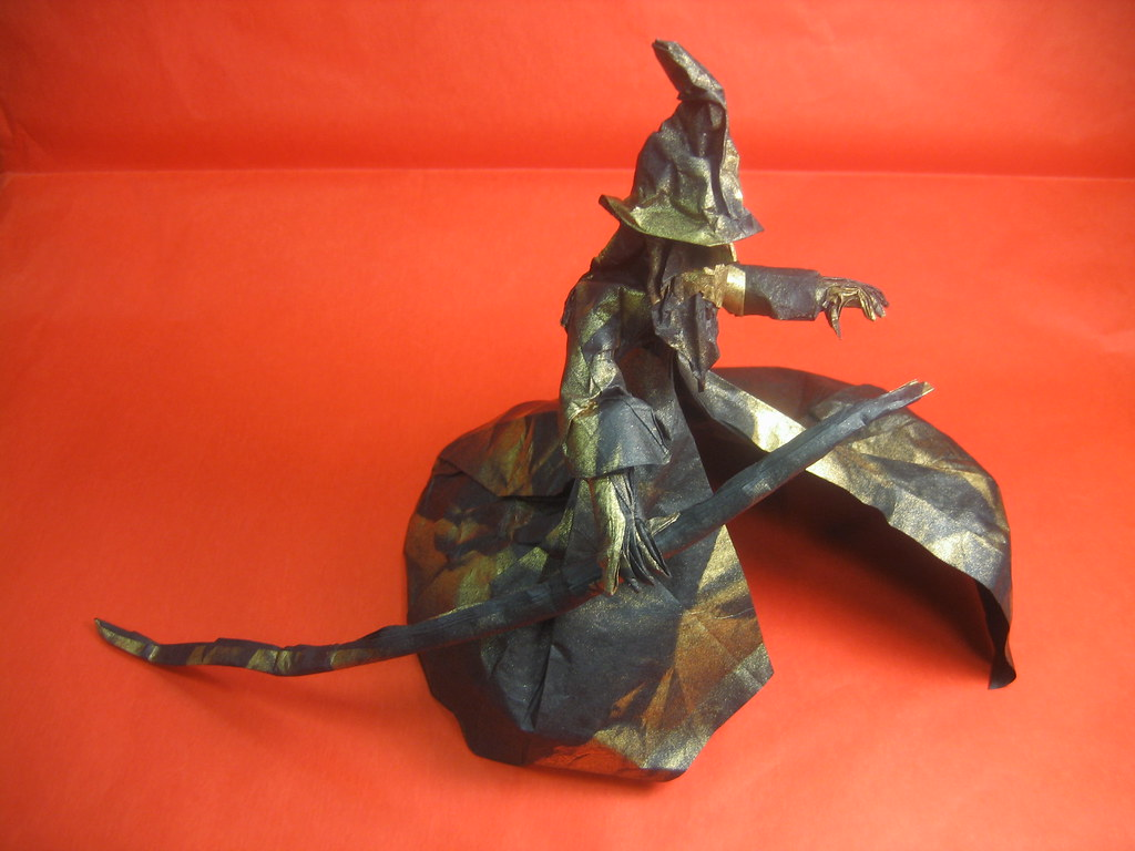 Designed by Satoshi Kamiya. Folded by Phillip West.