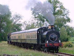 813 storms the bank! (rcarpe2) Tags: train steam wallingford cwr cholsey