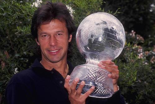 Mar 1992: Imran Khan, the captain of Pakistan displays the Cricket World Cup