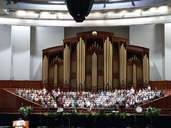 Mormon Tabernacle Choir rehearses in the Salt ...