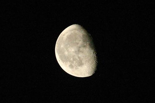 Waning Moon (cc) Mark Sadowski