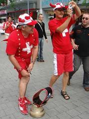 Suisse bell(e) (rasch2000) Tags: schweiz fan bell wm fans wm2006 kuhglocke fuballfans fuballfan