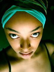 afro (e.v.r.i.e.l) Tags: africa blue light shadow woman brown black green eye girl face look eyes african afro vert ombre bleu lumiere turban metis regard