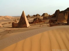 -Versus- (Vt Hassan) Tags: africa architecture ancient pyramid sudan pyramids nubia archeological sites nubian abigfave