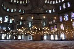 Insıde the Blue Mosque (CharlesFred) Tags: summer turkey turkiye 2006 istanbul İstanbul turkije turquia bosphorus turchia