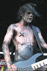 From First To Last - Wes Borland - Jason Wilder (ishotyourband) Tags: pictures show from park light music jason news black records face st last magazine tampa geotagged photo big concert pix paint photographer tour shot florida photos bass guitar pics live dumb warpedtour review livemusic band picture makeup first goat pic 2006 warp warped well burns your photographs photograph pete vans wesley slayer stpete magazines 06 wes tours guitarist recent borland wilder reviews vinoy pixs freelance limpbizkit epitaph photog mudd limp bizkit vanswarpedtour damning louden fromfirsttolast warptour editoral fftl bigdumbface ishotyourband ishotyourbandcom jasonwilder epitaphrecords httpwwwishotyourbandcom wwwishotyourbandcom warped06 warped2006 vinoypark wesborland wesleyloudenborland wesleylouden thedamningwell blacklightburns goatslayer