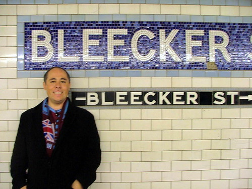New York - Moir at Bleeker St tube station - October 27th 2004