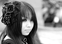 Black rose (manganite) Tags: flowers girls portrait people bw cute topf25 beauty face fashion rose japan tag3 taggedout digital geotagged asian japanese tokyo costume interestingness cool nikon bravo asia pretty cosplay bokeh tl gothic young teens style streetscene explore harajuku fancy teenager d200 dslr stylish japanesegirl theface  topf400 interestingness6 fav100 fav200 fav300 i500 18200mmf3556 bokehphotooftheday utatafeature manganite kiss5 nikonstunninggallery ipernity challengeyou challengeyouwinner bokehsoniceaugust abigfave bokehsoniceaugust18 goldenphotographer geo:lon=139702409 date:year=2006 geo:lat=35669759 fav400 date:month=august date:day=12