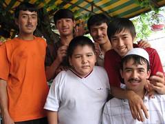 Kazakh boys at a roadside restaurant in Urumqi (China) / カザフ族の青年達 - 烏魯木斉の屋台にて