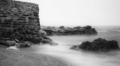 Portwrinkle with harbour wall bw (Jonathan Kiernan) Tags: white black big cornwall lee stopper 24105l portwrinkle ef24105mm canon5dmkiii