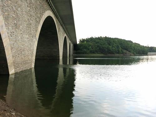 A72 Talbrücke Pöhl bei Neuensand Juli 2015_047