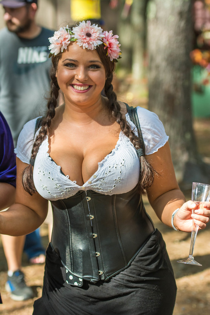 Nice video Hot busty medieval girls funny!