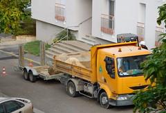 Renault Midlum 220 with trailer (JPC24M) Tags: truck sand sable dumptruck camion benne chantier btp casque godet remorque hemlet orangetruck gyrophare rigidtruck camionbenne
