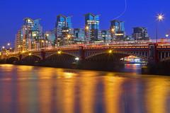 Give me five! (United Kingdom, London, Vauxhall bridge) (AndreaPucci) Tags: uk bridge london thames 007 vauxhall jamesbond canonef24105mmf4lis canoneos60 andreapucci