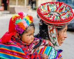 Mother and daughter, Ollantaytambo, Peru. (ravalli1) Tags: people woman peru mother andes sacredvalley traditionaldress incas ollantaytambo nikond5100