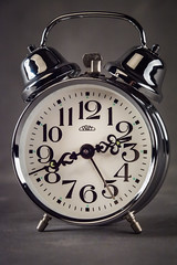 budzik 3 (Kamcia666) Tags: clock studio zdjcie owietlenie budzik fotobalans