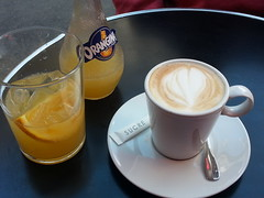 PARIS (appaIoosa) Tags: paris coffee caf cafe orangina koffe appaloosa