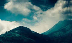 Nature's Portrait (mikbanerjee) Tags: mikbanerjee mik madras mountain southindia sky indiatravel indiatour india indian canon1300d canon canondslr canonrebelt6 cinematic cloudy cinemascope bluesky forest jungle clear sun light sunlight white clouds valley hills peak amateurphotography beginner flicker high landscape nature