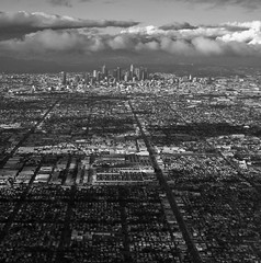 Clear day over LA. (young shanahan) Tags: explore california usa la clearskies flyinhomeforchristmas city cityscape
