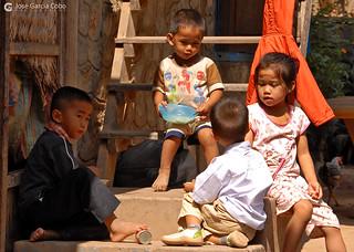 06-11-02 Laos-Camboya Luang Prabang (199) R01