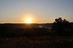Lever de soleil, Naussac, Aveyron, Midi-Pyrnes (lyli12) Tags: sun nature soleil nikon lumire ciel paysage campagne flares champ matin leverdesoleil aveyron midipyrnes d7000