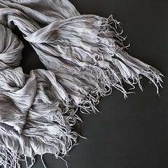 Echarpe! (Jorge Cardim) Tags: tecido cinzento echarpe