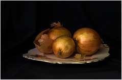 Onions (montrealmaggie) Tags: life light still dish onions g5 oly45mm