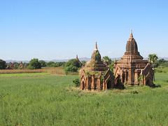 """Old Bagan: alentours du temple Htilominlo <a style=""""margin-left:10px; font-size:0.8em;"""" href=""""http://www.flickr.com/photos/127723101@N04/22984321110/"""" target=""""_blank"""">@flickr</a>"""