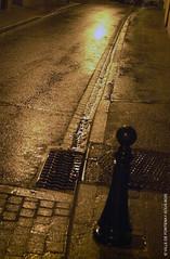 Bitume à la nuit tombée (Fontenay-sous-Bois - Officiel) Tags: nuit night trottoir bitume fontenay fontenaysousbois regionparisienne valdemarne iledefrance 94 94120